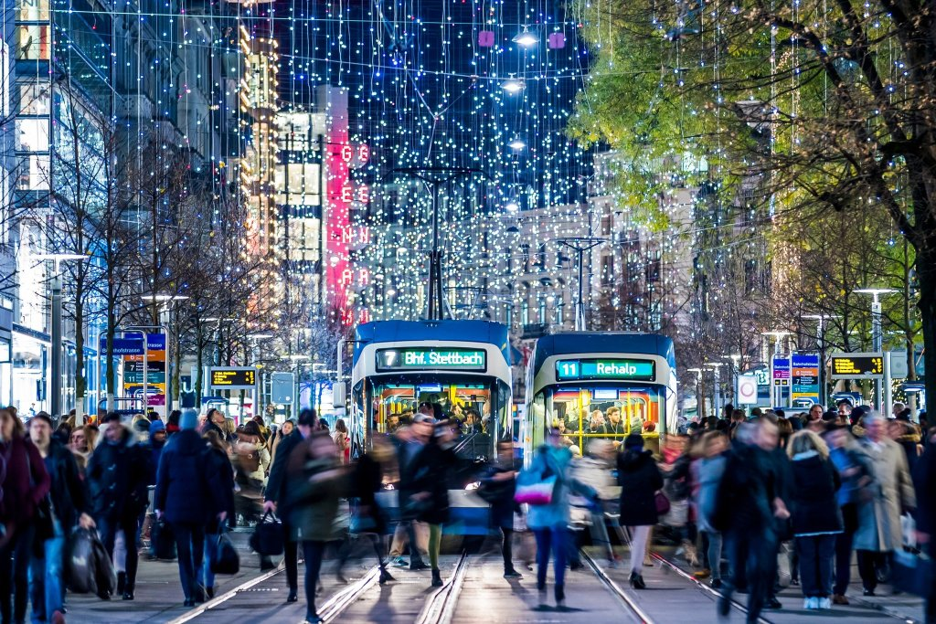 the visiting nomad, Top 10 Best Countries to Spend Your Christmas Holiday